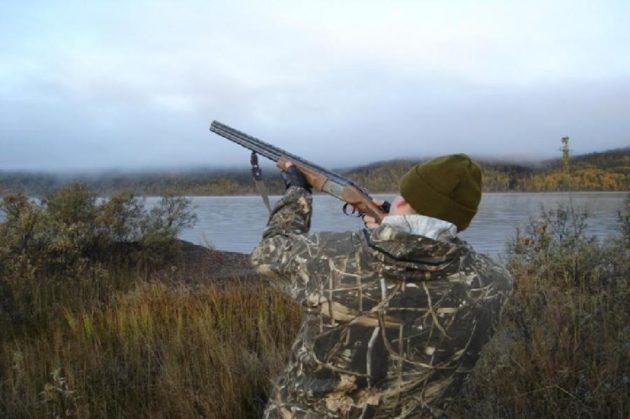 При стрельбе с дальней дистанции размер дроби нужно увеличить