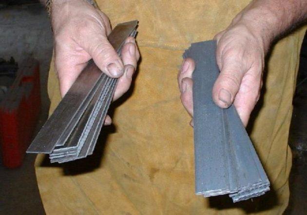 Металлические пластины из разных марок стали