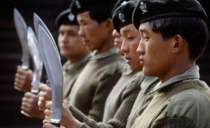 Использование ножей непальскими воинами