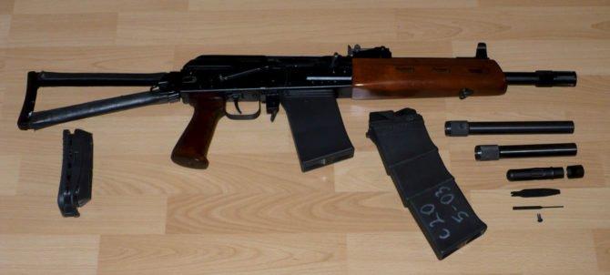 Пистолетная рукоятка облегчает прицеливание и стрельбу