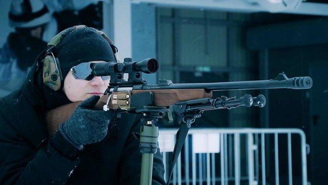Снайпер с ружьем