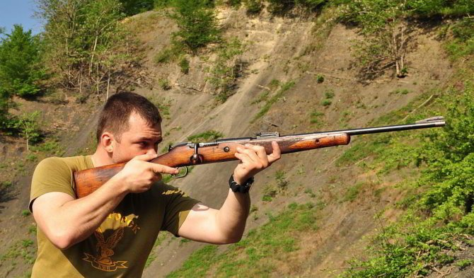 Стрелок с винтовкой тоз-8