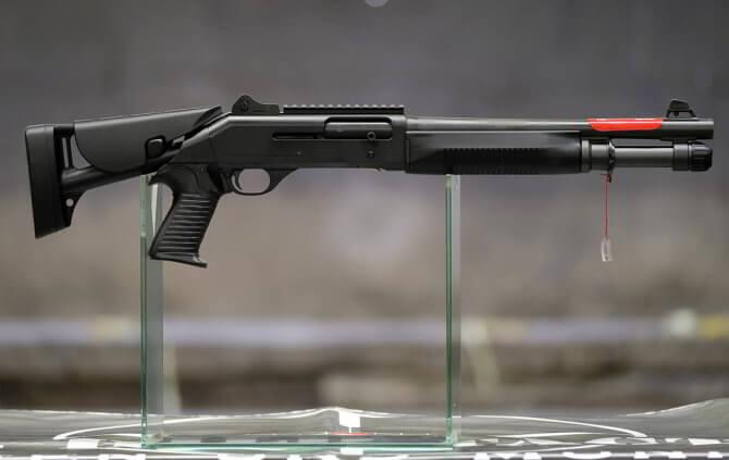 Дробовик Benelli M4